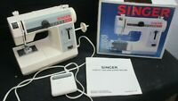 SINGER MODEL 324 FEATHERWEIGHT PLUS SEWING MACHINE WITH PEDAL