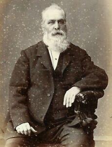 Victorian CDV Photo Man Beard Bennett Studio Worcester Malvern 1872