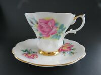 Royal Albert Sweetheart Roses Tea cup & Saucer ELIZABETH & ANNE Marriage signed
