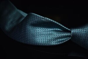 LNWOT RECENT Brioni Made in Italy Woven Aqua Seaglass Satin Cube Mosaic Silk Tie