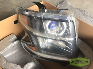 GM Chevrolet Tahoe 2015 RH Right Halogen Headlight OEM 23490006