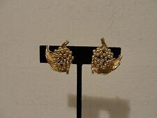 "00004000 goldtone leaf design clip earrings 1"""