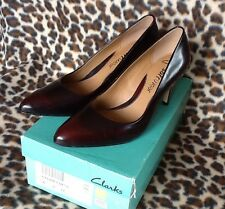 CLARKS CEDAR CHEST WINE LEATHER LOW HEEL SOFT WEAR COURT SHOES UK4.5D NIB