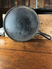 DJ44 Vintage CAST IRON SKILLET PAN USA ,An Unmarked Wagner Ware Griswold