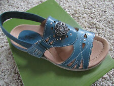 NEW EARTH GUAVA BLUE LEATHER STRAPPY SANDALS WOMENS 6  FREE SHIP