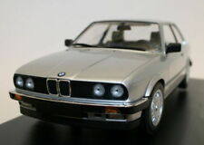 Voitures, camions et fourgons miniatures gris cars BMW