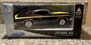 Welly 1970 Buick GSX Diecast Metal / Plastic Black and Yellow GM Muscle Car 1:26