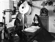 152 LORETTA YOUNG CONRAD VEIDT GREGORY RATOFF BEHIND THE SCENES PHOTO