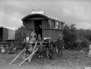 1931 A Gypsy Family With Their Caravan Parked On Epsom Downs OLD PHOTO
