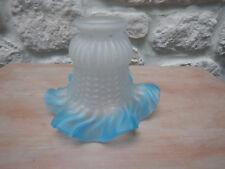 ancienne tulipe verre bord bleu
