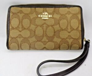COACH M1580 Crossgrain Leather Large Wristlet Clutch Pouch Khaki Chalk