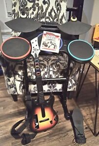 Guitar Hero World Tour Bundle, Guitar, Drums, Microphone. Tested
