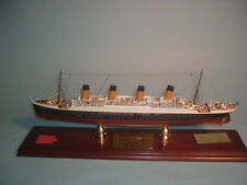 TITANIC WOOD SHIP MODEL FRANKLIN MINT LIMITED EDITION 40/1000  WITH DUST COVER