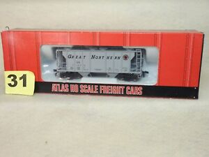 ATLAS HO SCALE #1819 GREAT NORTHERN PS-2 2 BAY HOPPER CAR NEW READY TO RUN