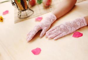 Gants courts roses en dentelle 23cm poignets mariage cérémonie pinup rétro
