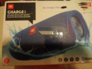JBL Charge 3 Waterproof Portable Bluetooth Speaker ( BLUE)