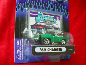 MUSCLE MACHINES GREEN '69 CHARGER 02-60 FREE USA SHIPPING