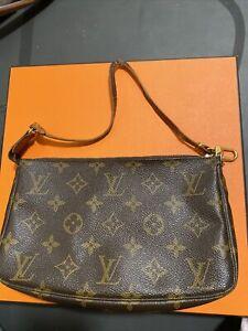 Louis Vuitton Pochette Monogram Hand Bag - M51980
