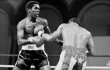 Old Boxing Photo Hector Camacho Lands A Punch Against Howard Davis Jr 1