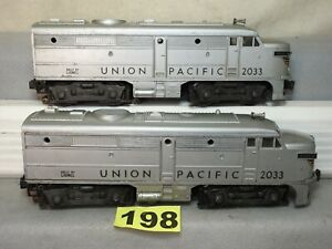LIONEL O GAUGE POST WAR #2033 UNION PACIFIC ALCO AA DIESEL LOCOMOTIVE SET RUNS
