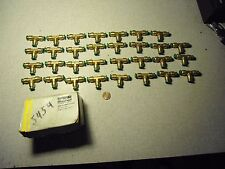 Parker Brass Fluid Connectors Push-to-Connect XNV312P-4-2 Lot of 31
