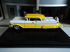 Oxford  1957  Mercury Turnpike    Moonmist Yellow / White  1/87  HO  diecast car