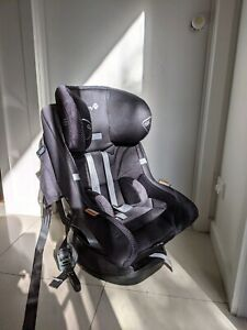 Safety 1st iso-fix car seat 2017 model mint condition