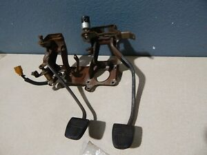 89 90 91 92 93 94 95 Toyota Pickup Clutch Brake Pedal Assembly w/ Hardware