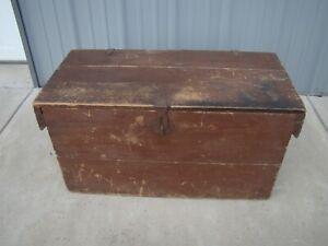 Vintage Wooden Storage Box Trunk Coffee Table 27 1/2 x 13 3/8 x 14