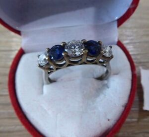 BEAUTIFUL VINTAGE SOLID SILVER MOUNTED RING WITH STONES // SIZE T