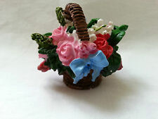 DOLLS HOUSE ACCESSORIES  BASKET OF ROSES FLOWERS 12th Scale New tableware