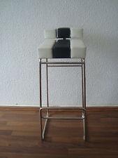 Moderne Barhocker & Stehtische aus Stahl