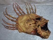 HALLOWEEN SKULL MASK Bone Fin Spikes Mens Scary Sinister Adult Costume Accessory