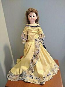 "Simon & Halbig Doll Bisque Socket Head, Leather & Cloth Body 1039 18"" Antique"