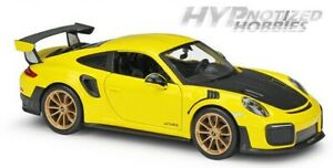 MAISTO 1:24 N/B PORSCHE 911 GT2 RS DIE-CAST YELLOW WITH CARBON HOOD 34523