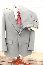 3-Piece Single-Breasted 2-Button Suit Size 36S Ah! Austin-Hill LTD