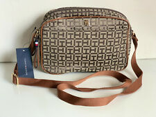 NEW! TOMMY HILFIGER BROWN SIGNATURE LOGO DOUBLE ZIP CROSSBODY SLING BAG $78 SALE