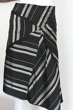 Superbe jupe SYLVIA RIELLE taille 36 noire et blanche déstructurée parfait état
