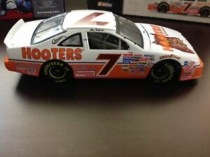 #7 Alan Kulwicki Hooters Ford Thunderbird Historical HOF Champion