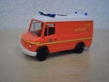 """Herpa - MB T2 Vario RTW """"Notarzt Feuerwehr Hamburg"""" - Nr. 044882 - 1:87"""