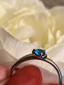 DAINTY STERLING SILVER SOLITAIRE TOPAZ BLUE GEMSTONE RING  SIZE 8