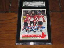 BOBBY HULL AUTOGRAPHED 1992 FUTURE TRENDS CARD-SGC SLAB-1976 CANADA CUP GAME 1