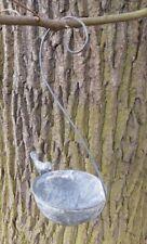 Vogeltränke Vogelbad Vogelfutterstelle z. Hängen Eisen massiv grau