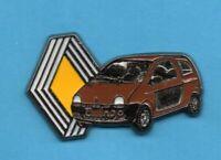 Pin's pins lapel pin Car Auto voiture RENAULT TWINGO 1 Marron et ancien logo