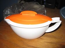 NEW TUPPERWARE GRAVY BOAT HEAT N SERVE INSULATED 3 PIECES ORANGE/WHITE 5168A-1