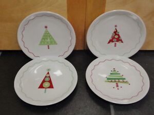 """CRATE AND BARREL HOLIDAY CHRISTMAS TREE 6"""" DESSERT APPETIZER PLATES SET OF 4"""