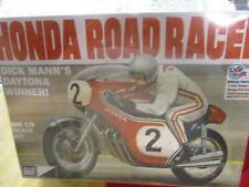 1960s Dick Mann Honda 750 Road Racer Daytona Winner WRAPPED REISSUE MPC  kit 1/8