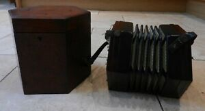 EARLY 20thC LACHENAL 25 BUTTON PATENT CONCERTINA - STEEL REEDS - WITH BOX