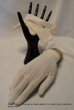 Excellent Vintage Cream Mesh Knit Ladies' Stretch  Gloves Size One Size Fits All
