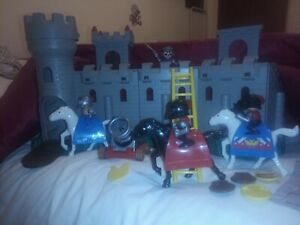 Unimax Rare Castle Fortress Knights And Horses Bundle